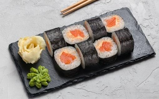 Ролл Спайси с лососем