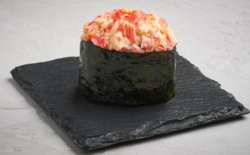Запечённые суши с крабом